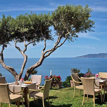 Toskana-Idylle mit Küsten-Panoramablick