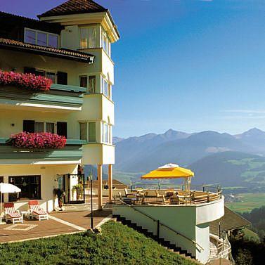 Familiengeführtes Südtiroler Alpenhotel mit exzellenter Küche