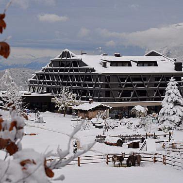 Modernes & nachhaltiges Naturhotel am Fuße der Dolomiten