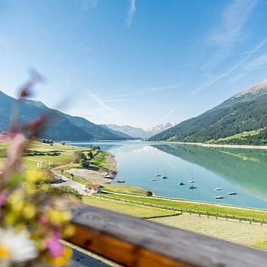 Südtiroler Alpen & tiefblaue Seen