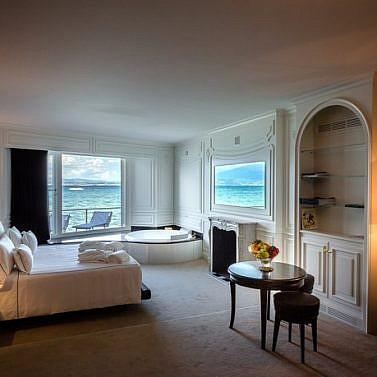Elegantes Hotel am Ufer des Gardasees