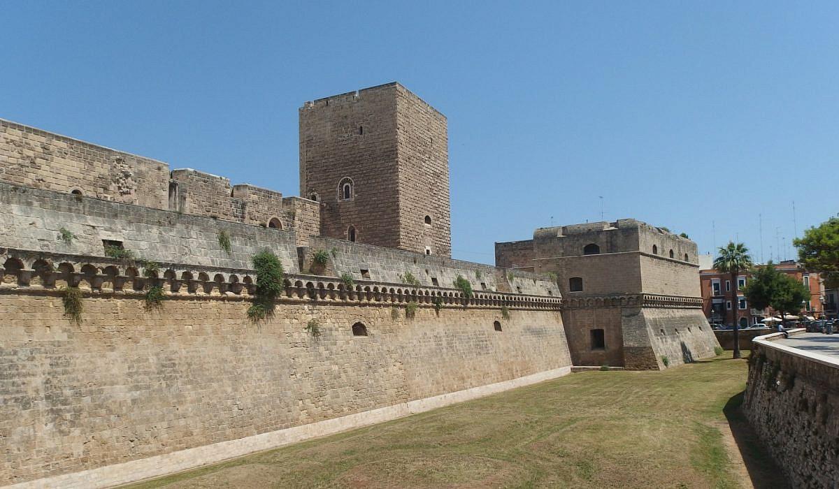 Castello Svevo in Bari, Apulien | italien.de