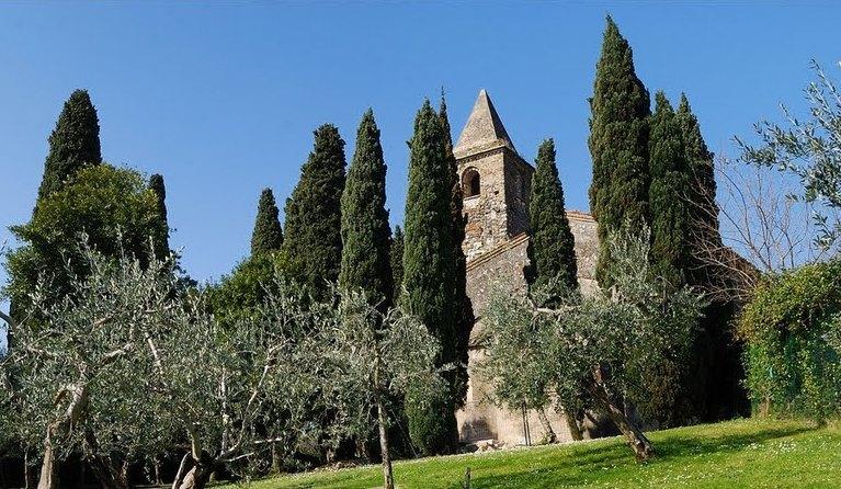 Chiesa di San Pietro in Mavino in Sirmione, Gardasee | italien.de