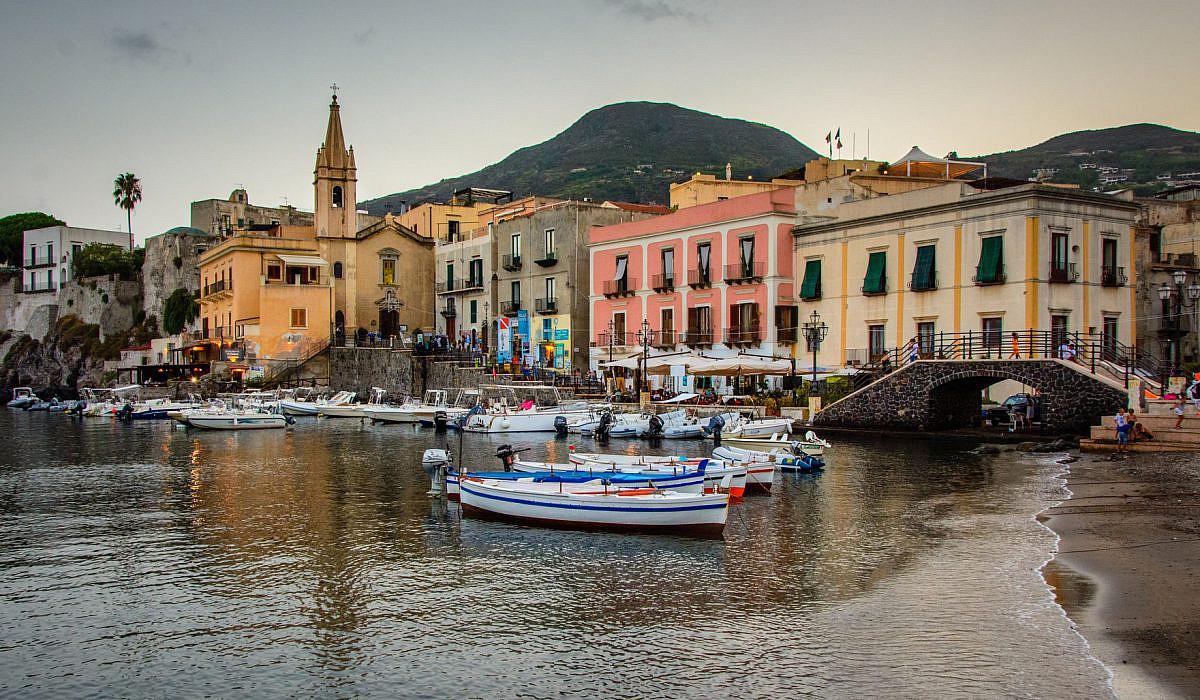 Lipari Altstadt, Liparische Inseln | italien.de