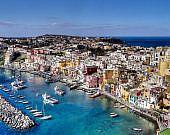 Hafen der Insel Procida| italien.de