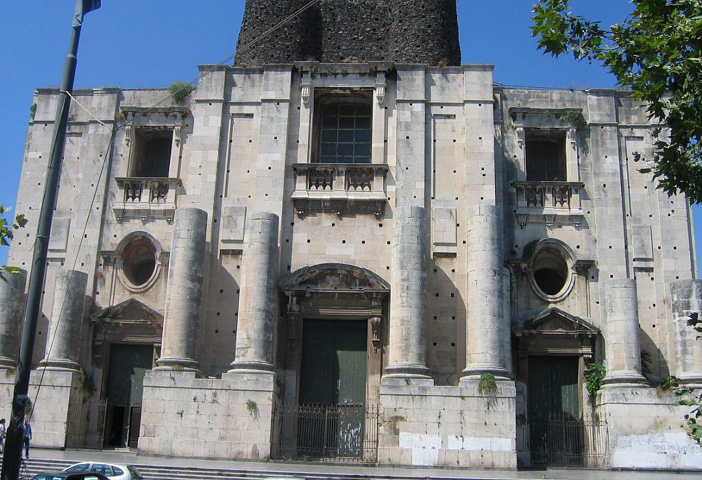 Kirche San Nicolo All Arena, Catania | italien.de