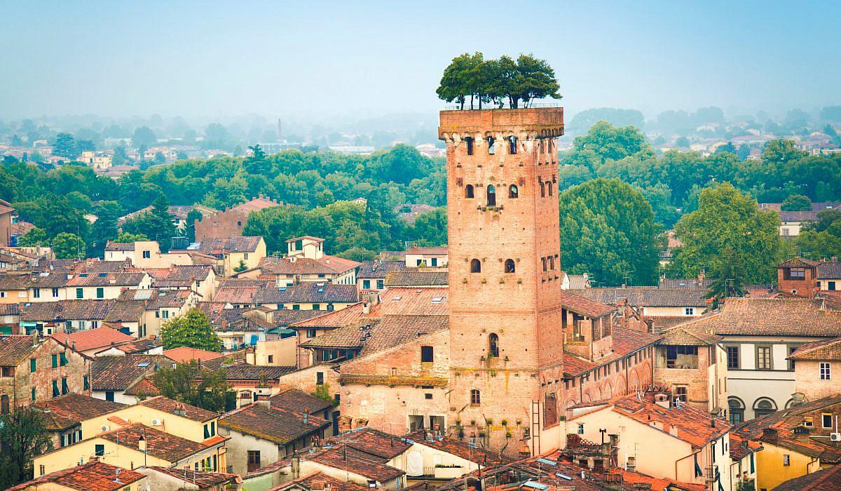 Torre Guinigi in Lucca, Toskana | italien.de