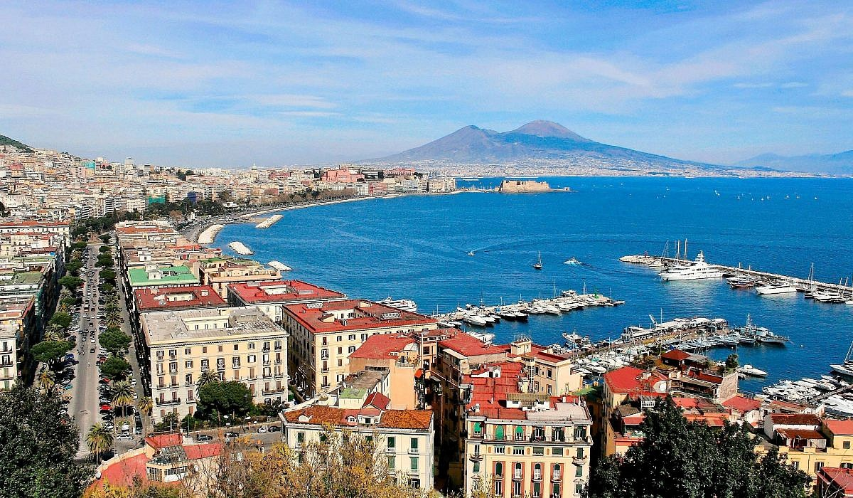 Neapel mit Vesuv, Kampanien | italien.de