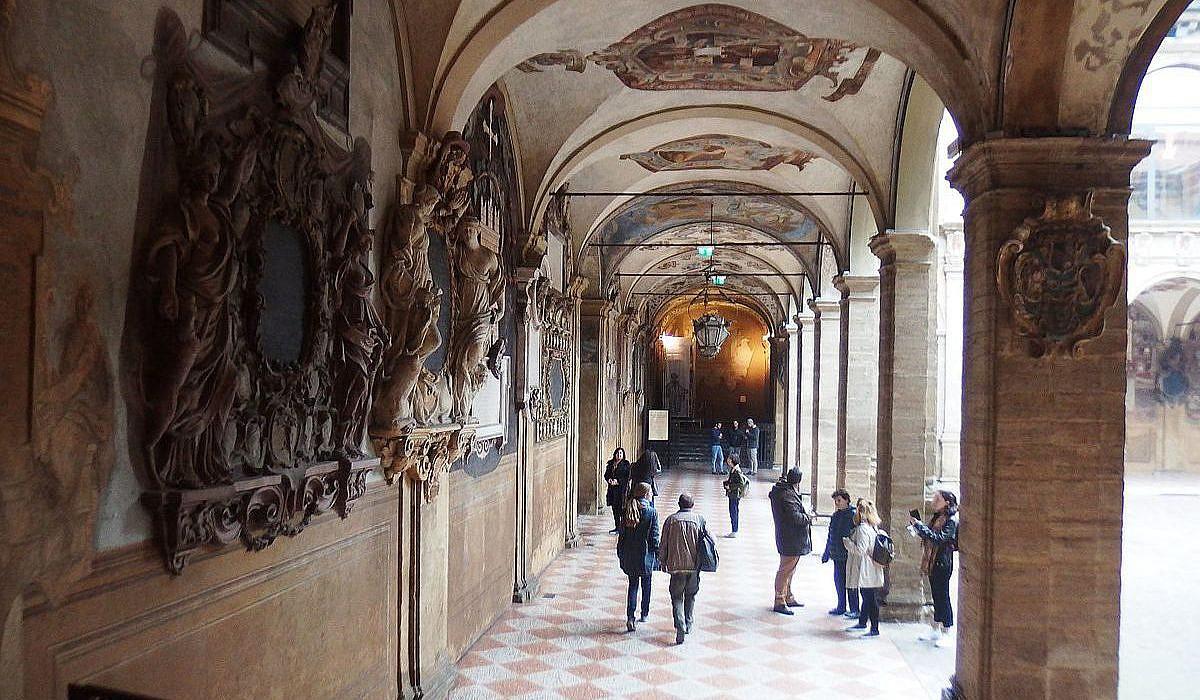 Palazzo dell'Archiginnasio, Bologna | italien.de