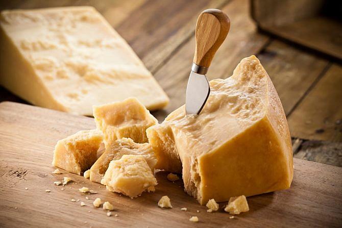Parmesan, Käse | italien.de
