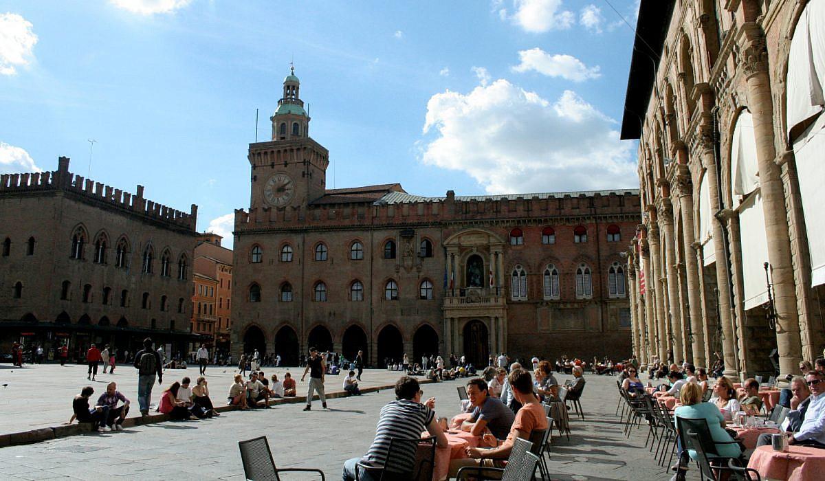 Piazza Maggiore, Bologna | italien.de