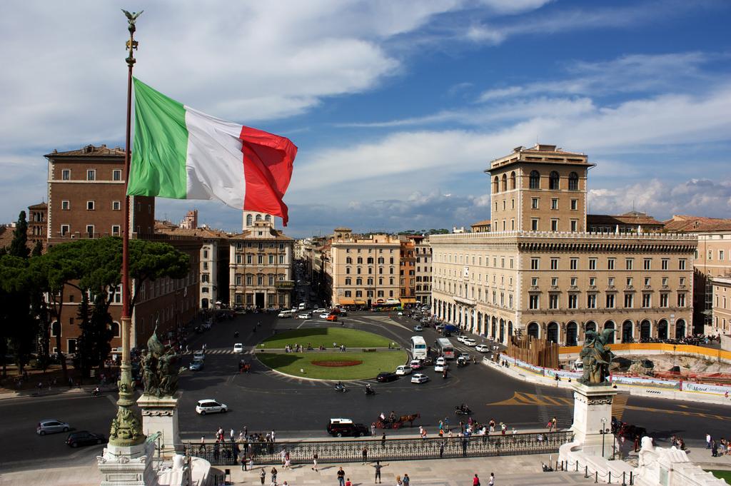 Piazza Venezia, Rom| italien.de