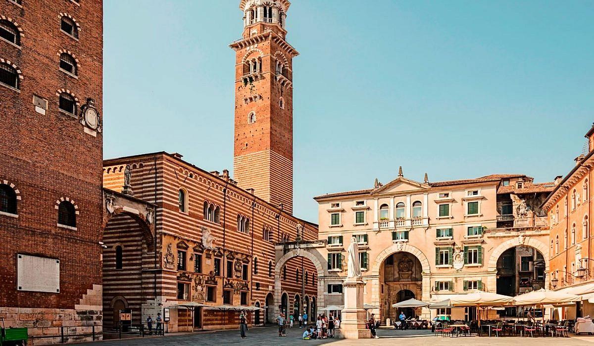 Piazza dei Signori, Verona | italien.de