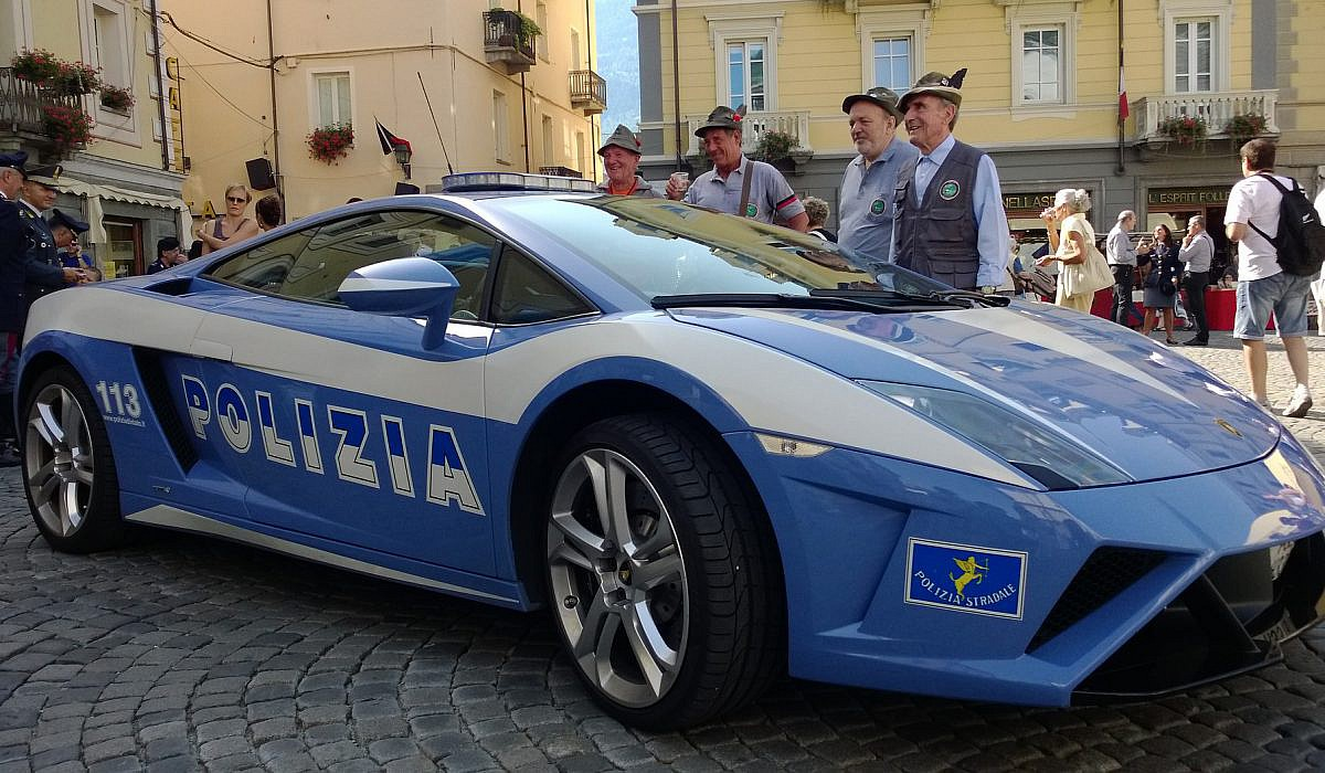 Polizei Lamborghini | italien.de