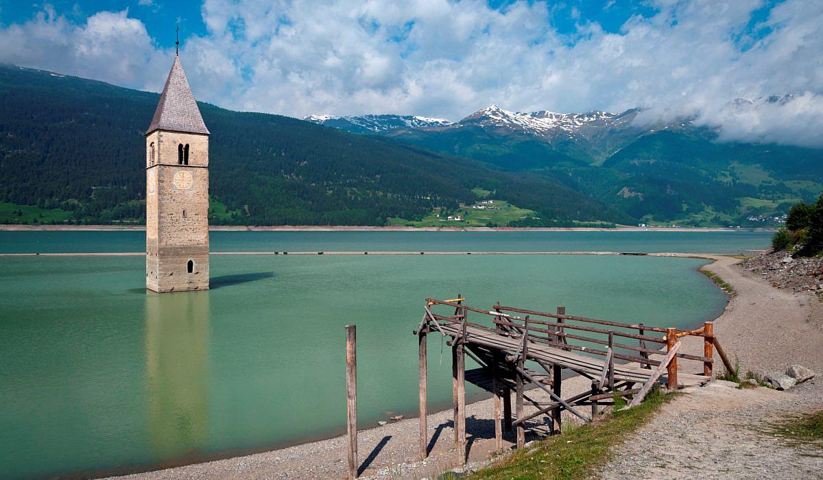 Kirche von Alt-Graun, Reschensee, Vinschgau | italien.de
