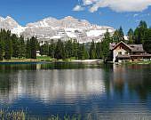 See-Madonna-Di-Campiglio-Dolomiten-Italien