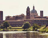 Stadtansicht-Mantua-Lombardei-Italien