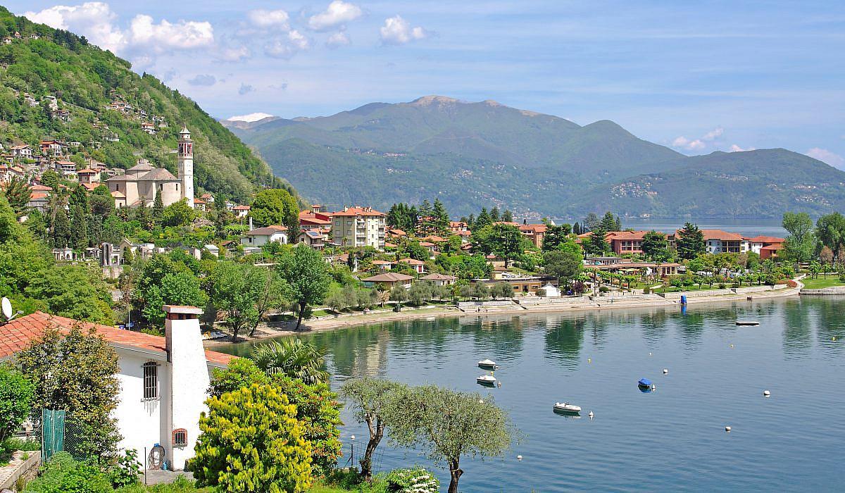 Strandpromenade von Cannero Riviera, Piemont | italien.de