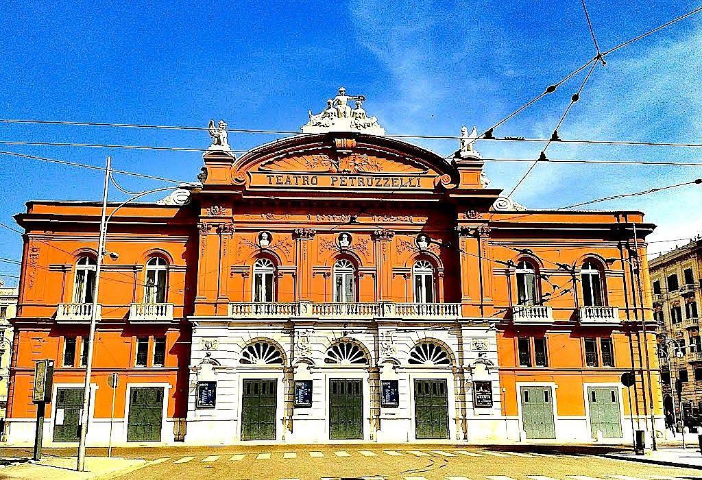Teatro Petruzzelli, Bari | italien.de