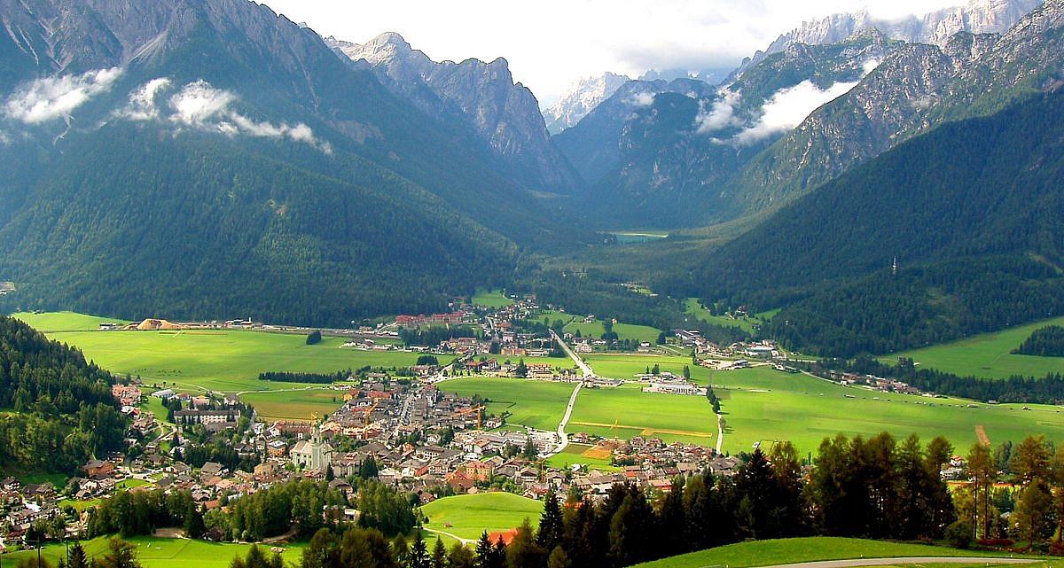 Panorama von Toblach (Dobbiaco), Südtirol | italien.de