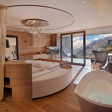 Wellnesstraum in der Südtiroler Bergwelt