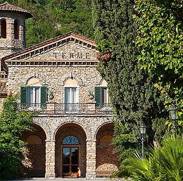 Historische Villa mit eigener unterirdischer Thermalgrotte