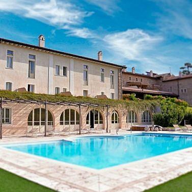 Spa-und Golf-Glück in einem idyllischen Resort nahe dem Gardasee